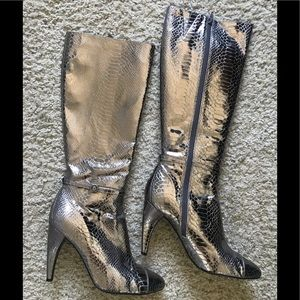 Sam Edelman boots worn once 10 chrome metallic?